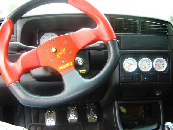 Спортиный руль momo Nissan